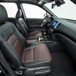 2017 Honda Ridgeline black front seats second image
