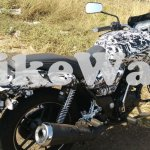 New Bajaj commuter with a mix of Pulsar and Avenger exhaust spied