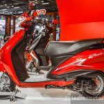 2016 Hero Duet side at Auto Expo 2016