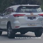 2016 Toyota Fortuner rear spied in Malaysia