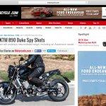 2017 KTM Duke 890 spied