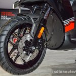 Aprilia SR 150 Black front disc brake at Auto Expo 2016