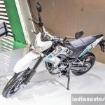 Benelli BX250 front quarter at Auto Expo 2016