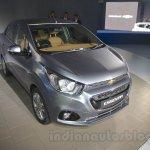 Chevrolet Essentia Concept front three quarter left