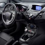 Ford Fiesta ST200 dashboard press image