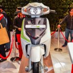Hero Duet-E front at the Auto Expo 2016