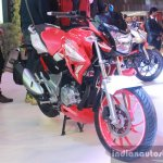 Hero Xtreme 200 S front quarter at Auto Expo 2016