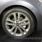 Hyundai i30 alloy wheel at 2016 Auto Expo