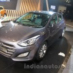 Hyundai i30 front three quarters at 2016 Auto Expo
