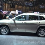 Jeep Cherokee Overland side at the 2016 Geneva Motor Show