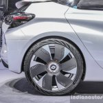 Renault Eolab alloy wheel at Auto Expo 2016