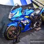 Suzuki Gixxer SF-Fi with rear disc brake front three quarter at Auto Expo 2016