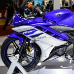 Yamaha R15 V2 Revving Blue fairing at Auto Expo 2016