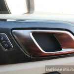 2016 Ford Endeavour 2.2 AT Titanium door handle Review