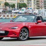 2016 Mazda MX-5 front three quarters