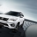 2016 Toyota Fortuner TRD Sportivo front three quarters