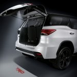2016 Toyota Fortuner TRD Sportivo puddle lamp