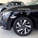 ASEAN-spec 2016 Honda Civic front quarter panel