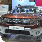 Dacia Duster Essential headlamp and grille at the 2016 Geneva Motor Show