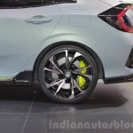 Honda Civic Hatchback Prototype wheel and tire at the 2016 Geneva Motor Show