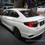 Honda Greiz at 2016 Beijing Motor Show rear three quarters