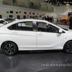 Honda Greiz at 2016 Beijing Motor Show side profile