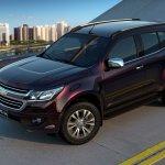 2017 Chevrolet Trailblazer front quarter top (facelift) unveiled