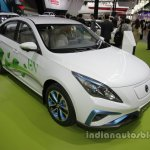 Dongfeng S50-EV at Auto China 2016 front three quarters