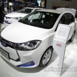 JAC iEV6 front three quarters left side at Auto China 2016