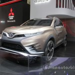 SouEast DX Concept front three quarters at Auto China 2016