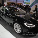 Tesla Model S (facelift) front three quarters right side at Auto China 2016