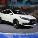 Venucia T90 at Auto China 2016 front three quarters