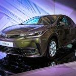 2016 Toyota Corolla (facelift) front quarter Live Images