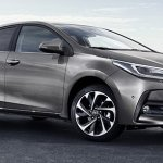 2017 Toyota Corolla front three quarter (facelift) images