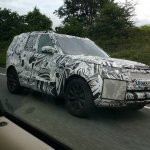 2017 Land Rover Discovery spy shot