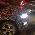 Jeep 551 (Jeep C-SUV) headlights on spy shot