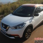 Nissan Kicks front three quarters second image
