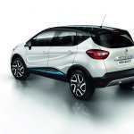 Renault Captur Iconic Nav Special Edition rear three quarters