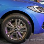2016 Hyundai Elantra front wing launched in India