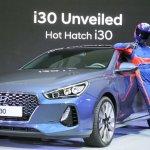 2017 Hyundai i30 front three quarters debut event