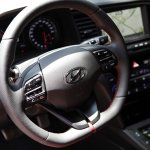 2017 Hyundai i30 steering wheel second image