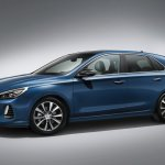 Hyundai i30 side revealed ahead of Paris debut
