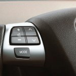 new-toyota-platinum-etios-facelift-steering-mounted-buttons-launched