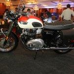 2017 Triumph Bonneville T100 profile