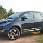 Tata Hexa XT MT front three quarter Review