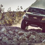 2017 Chevrolet Colorado ZR2 front off-roading