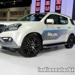 Isuzu MU-X front three quarters at 2016 Thai Motor Expo
