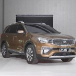 Kia KX7 front three quarters left side static