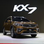Kia KX7 front three quarters right side