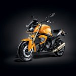 Mahindra Mojo Sunburst Yellow front three quarters